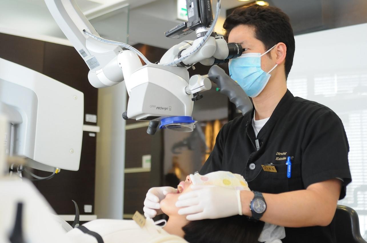 歯の根っこの治療(根管治療)は保険では治らない!?